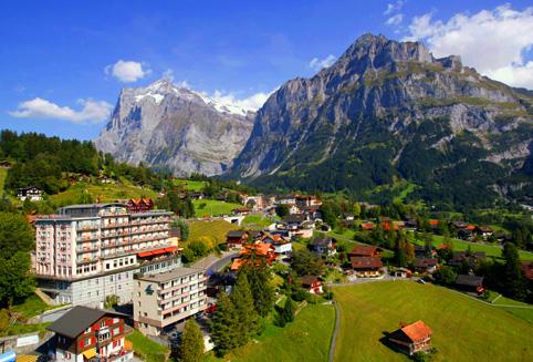 1906년 하우저 가문에 위해서 설립되어 가족경영으로 운영되고 있는 호텔입니다. <BR><BR> 객실 전망에 따로 Wetterhorn view 와 Eiger view로 나누어져 있습니다.<BR><BR>  특히 Eiger view룸에서는 웅장한 아이거 북벽과 아기자기한 샬레들이 만드는 멋진 풍경을 감상하실 수 있습니다. <BR><BR> 전체적으로 조용하고 아늑한 분위기, 그리고 가족경영에서 느껴지는 따뜻한 고객서비스를 경험해 보실 수 있습니다.<BR><BR> 호텔로비에서는 전면이 확 트인 파노라마 창문으로 아이거북벽을 비롯한 알프스산들을 시원하게 감상하실 수 있습니다.<BR><BR> 융프라우 등반열차 탑승 후 차가워진 몸을 실외 자쿠지와 사우나에서 녹인 후 호텔 레스토랑에서 스위스 전통음식을 즐겨보세요.